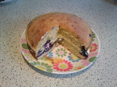 Victoria sponge with blueberries & passion fruit glaze